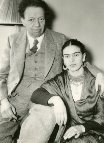 Acme Photo Diego and Frida in NYC 1933 gelatin silver print 22.9 x 17.8 cm Courtesy of Throckmorton Fine Art, Inc ***This image may only be used in conjunction with editorial coverage of Frida Kahlo and Diego Rivera: from the Jacques and Natasha Gelman Collection 25 Jun-9 Oct 2016, at the Art Gallery of New South Wales. This image may not be cropped or overwritten. Prior approval in writing required for use as a cover. Caption details must accompany reproduction of the image. *** Media contact: Hannah.McKissock-Davis@ag.nsw.go.au *** Local Caption *** ***This image may only be used in conjunction with editorial coverage of Frida Kahlo and Diego Rivera: from the Jacques and Natasha Gelman Collection 25 Jun-9 Oct 2016, at the Art Gallery of New South Wales. This image may not be cropped or overwritten. Prior approval in writing required for use as a cover. Caption details must accompany reproduction of the image. *** Media contact: Hannah.McKissock-Davis@ag.nsw.go.au